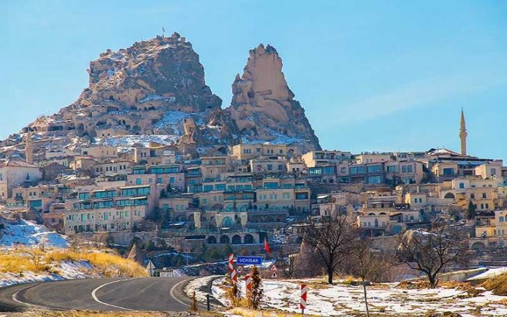 İki bin yıllık 'gökdelen' Uçhisar Kalesi