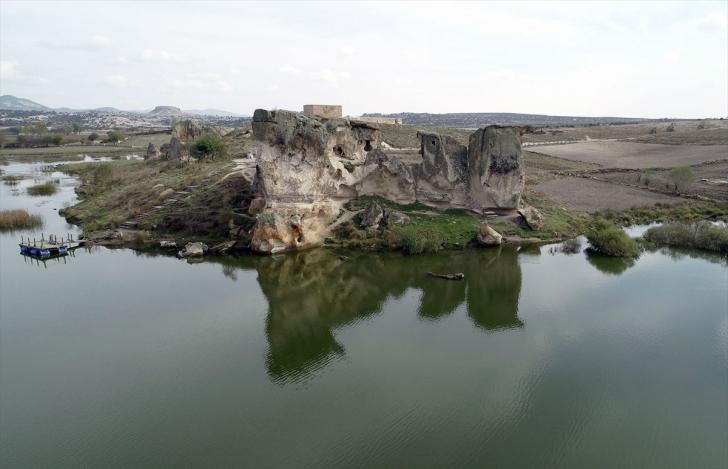 Frig Vadisi'ndeki cennet: Emre Gölü
