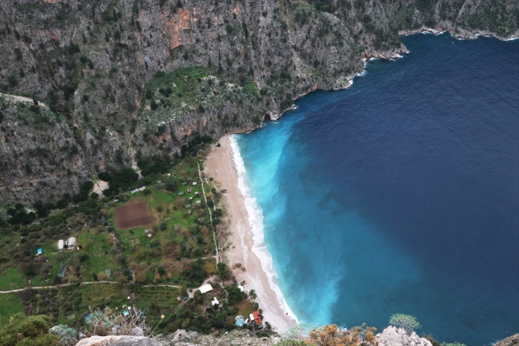 Yağmur sonrası Fethiye'de denizin rengi turkuaza döndü