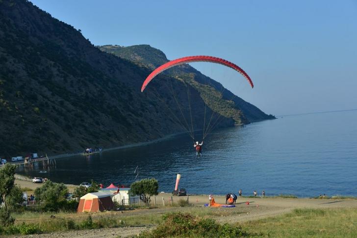 Paraşütünüz hazırsa buyurun gidelim: Uçmakdere