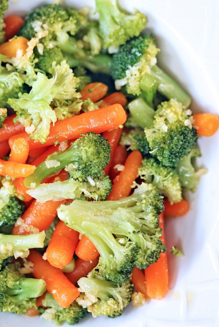 Çedar Soslu Brokoli
